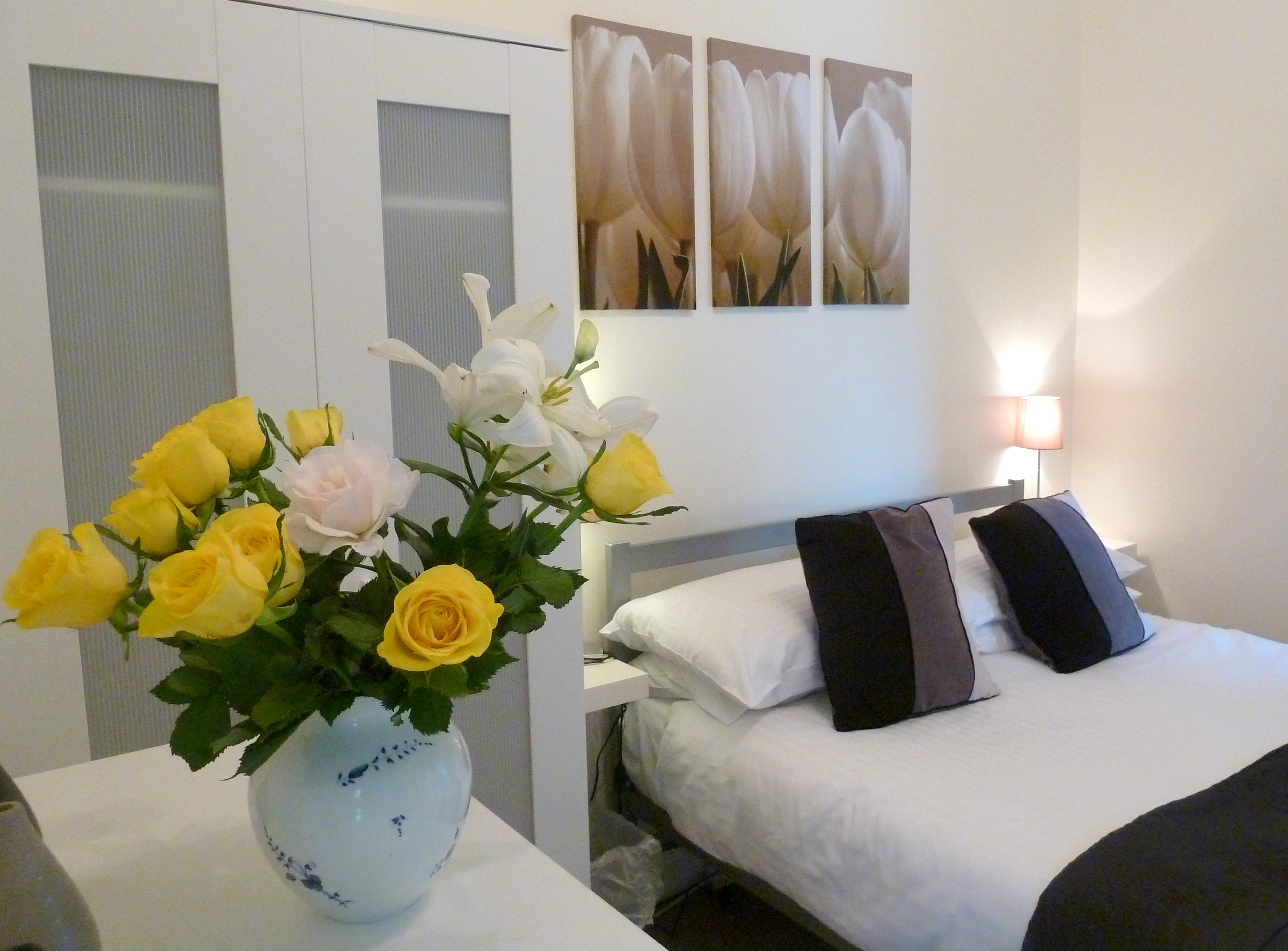 Bedford House Apartments, Torquay. Sel catering Holiday Accommodation