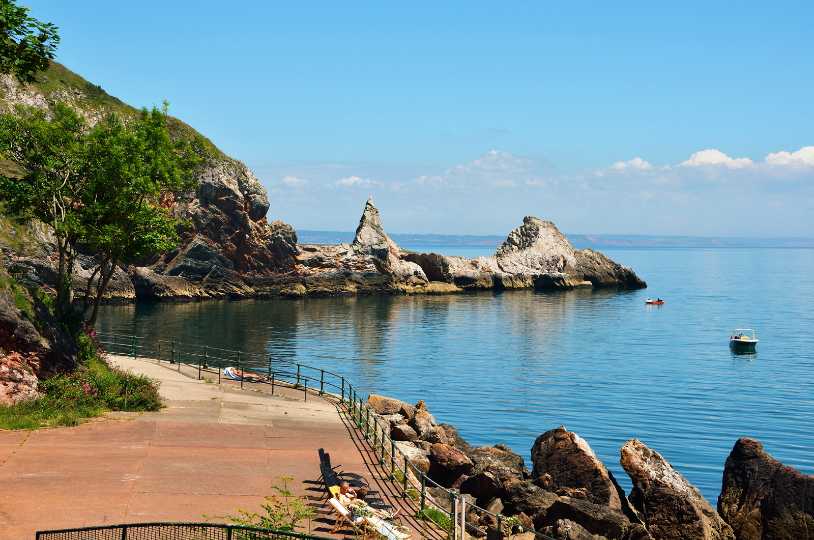 Short breaks in self catering accommodation in Torquay and The English Riviera.