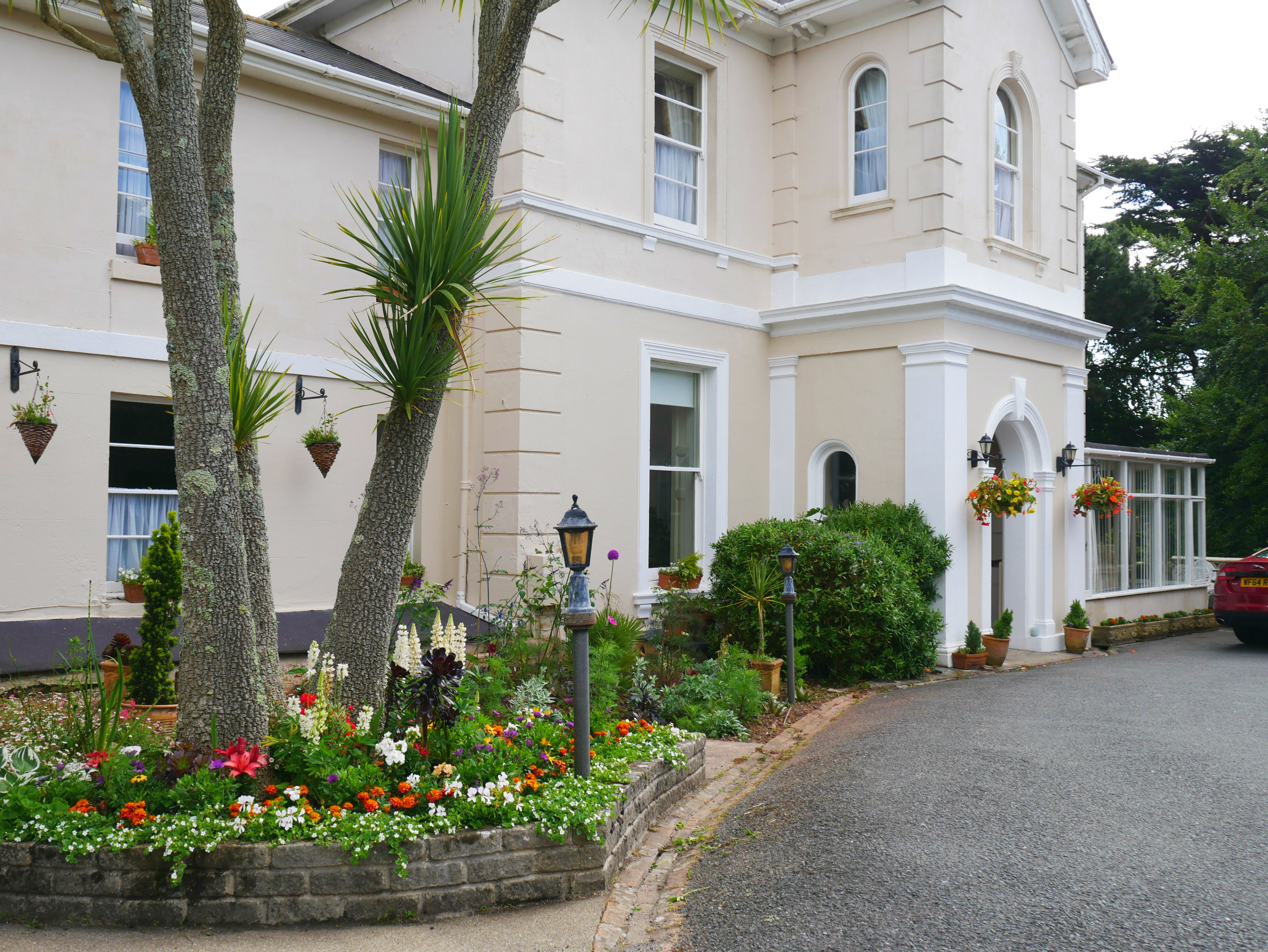 The Muntham Holiday Apartments and Townhouse in Torquay.